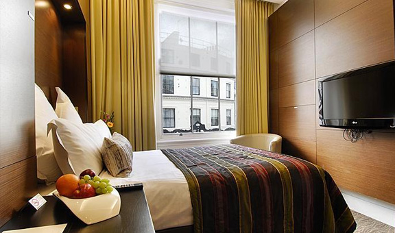 Compact Double Room-Incl.English Breakfast