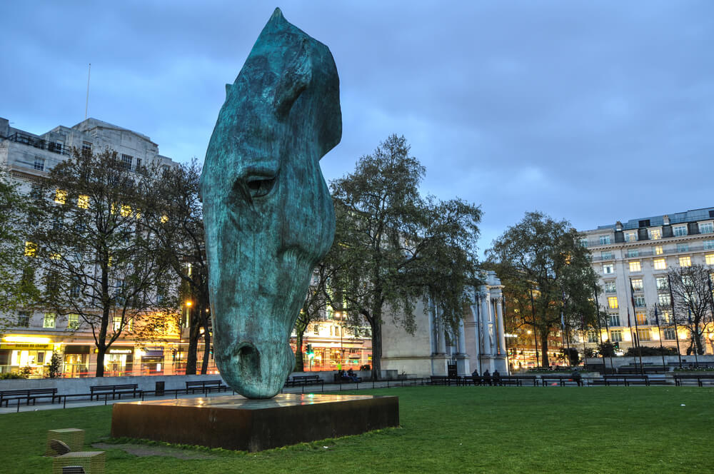 Horse Head Monument besides the Marble Arch